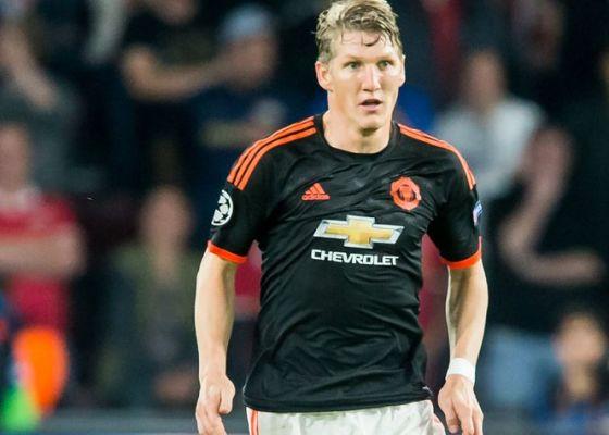 Gundogan: Zachowanie MU wobec Schweinsteigera jest lekceważące. To nie jest jakiś 19-letni piłkarz