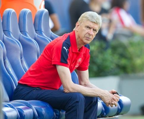 """""""Wenger idealnym kandydatem na trenera Anglików, ale za bardzo kocha Arsenal żeby zmienić pracę"""""""