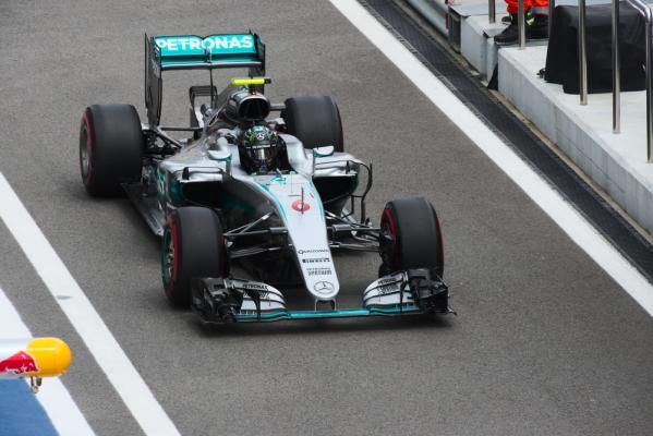 Rosberg znów najlepszy w kwalifikacjach