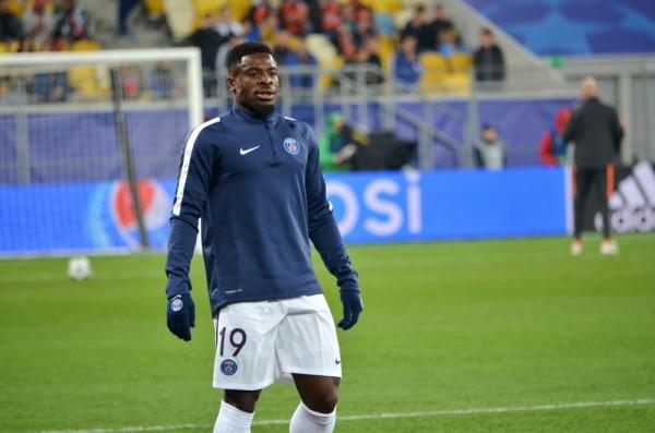 Serge Aurier uratował życie piłkarza w meczu z Mali [VIDEO]