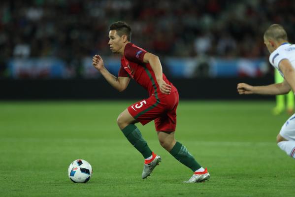 Raphael Guerreiro nie zagra przez dwa tygodnie