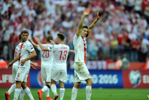 Daily Mail: Lewandowski i Krychowiak na liście 100 najlepszych piłkarzy świata