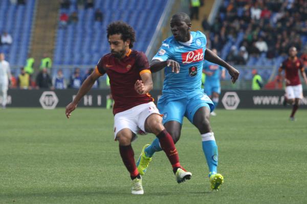 Roma wygrała w Neapolu! Cały mecz Szczęsnego, Zieliński wszedł z ławki