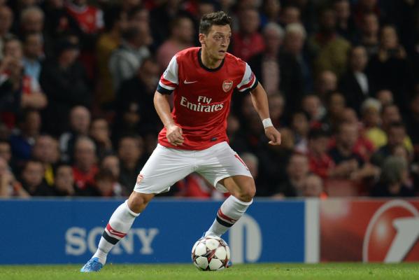 Oezil uzależnia przedłużenie kontraktu z Arsenalem od przyszłości Wengera?
