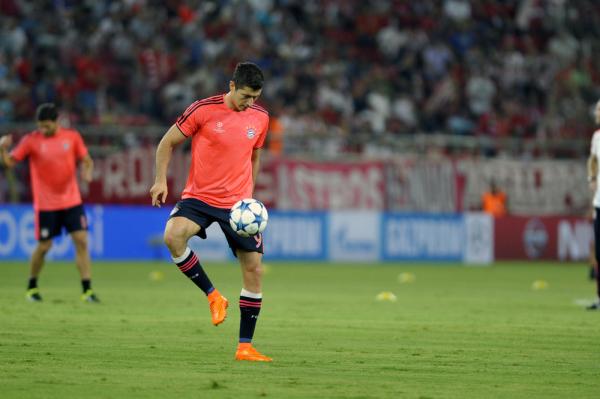 90 minut Lewandowskiego, szósta wygrana Bayernu