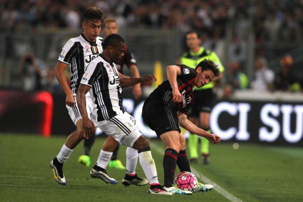 Patrice Evra nie zagra przeciwko Napoli