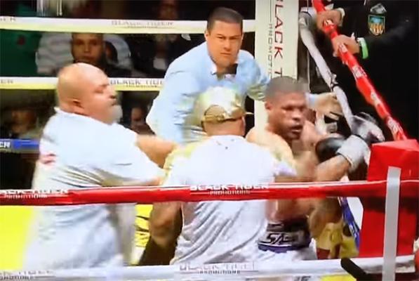 Zadyma na ringu w Portoryko. Były mistrz świata bil się z... sekundantem rywala [VIDEO]