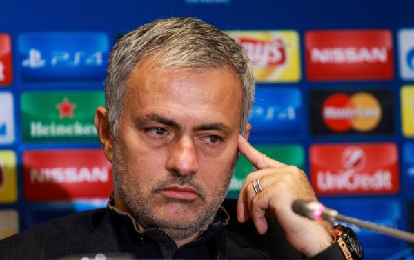 """Mourinho ponownie oskarżony przez FA. """"Użył obraźliwych słów wobec arbitra"""""""