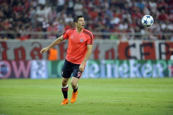 Dwa gole Lewandowskiego w meczu z PSV! Polak zapewnił Bayernowi trzy punkty [VIDEO]