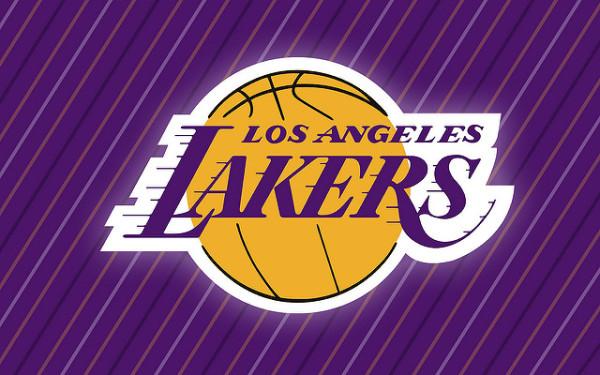 Lakers rozbili Warriors w derbach Kalifornii