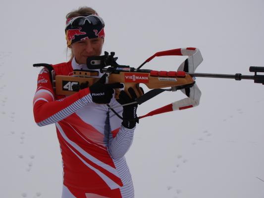 Najlepsza polska biathlonistka trenuje poza kadrą