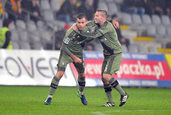 Legia pokonała Cracovię po bramkach Nikolicia i Radovicia