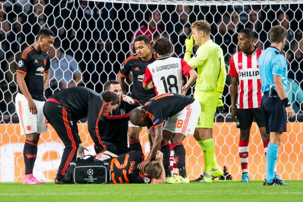 Shaw wykuruje się na mecz z Arsenalem