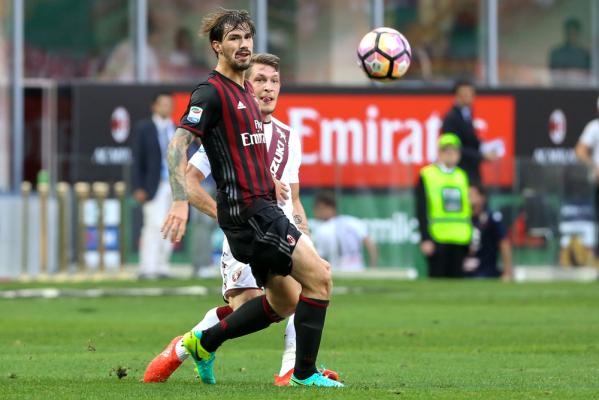 49 milionów funtów za stopera Milanu? Conte szuka wzmocnień w Serie A