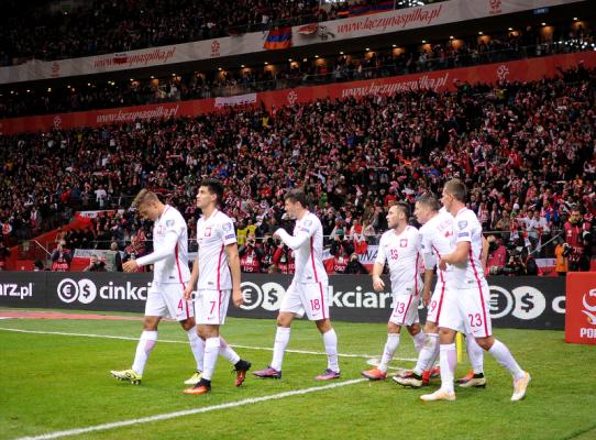 Jak zagramy z Rumunią? Z pięcioma pomocnikami i tylko Lewandowskim w ataku?