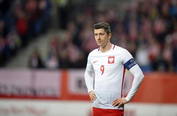 Lewandowski goni legendy. Jest trzecim strzelcem w historii reprezentacji Polski