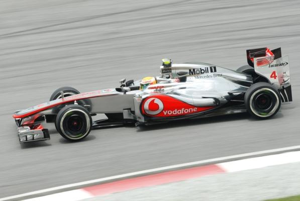Lewis Hamilton z pole position przed GP Brazylii