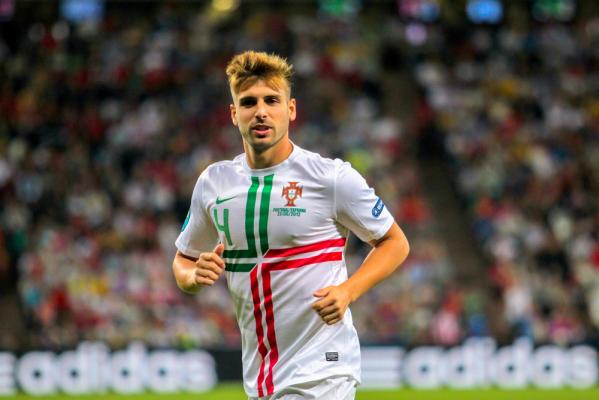 Southampton FC chce sprowadzić Miguela Veloso
