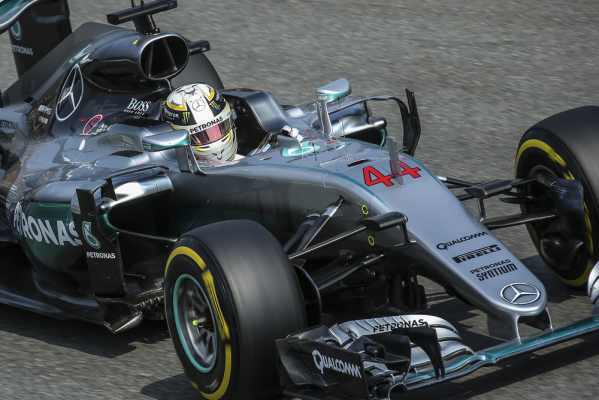 GP Brazylii: Hamilton wygrywa i goni Rosberga