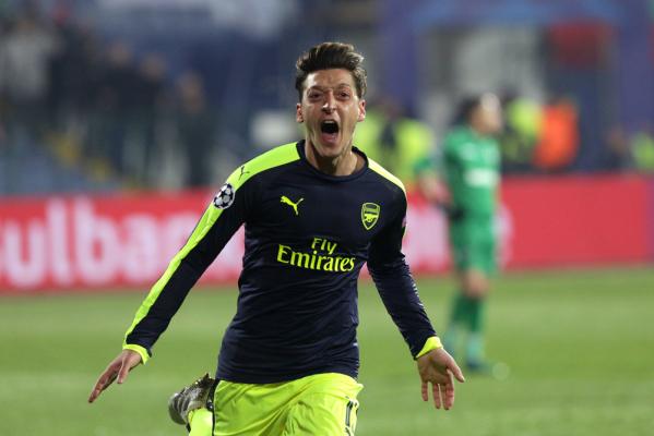 Arsenal chce zatrzymać Mesuta Oezila