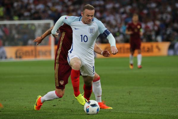 Wayne Rooney z kontuzją kolana