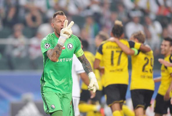 Malarz nie zagra z Borussią Dortmund?