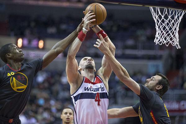 Wizards lepsi od Suns, double-double Gortata
