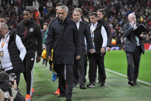 Remis Manchesteru United z West Hamem. Mourinho wyrzucony na trybuny! [VIDEO]