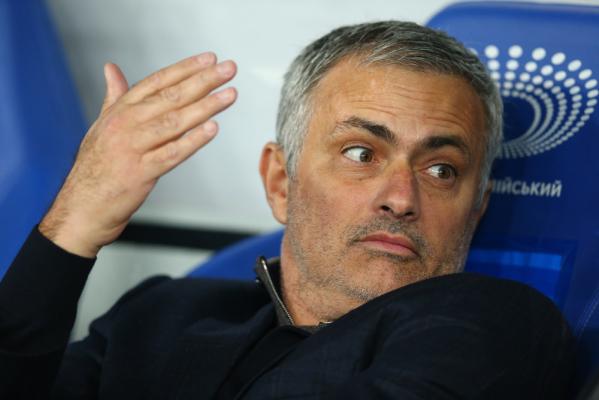 Znany sędzia: Mourinho powinien wylecieć na 6 meczów