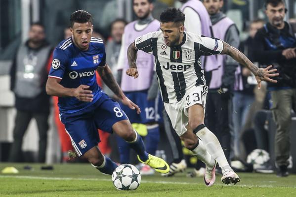 Problemy Juventusu w defensywie: Jeden obrońca złamał nogę, drugi z urazem mięśniowym
