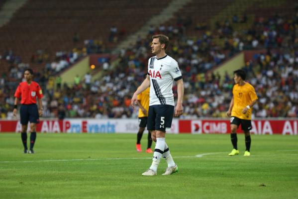 Vertonghen trzy lata dłużej z Tottenhamem