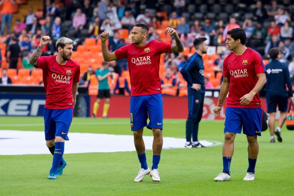 France Football: Neymar najbardziej wartościowym piłkarzem, Lewy poza dziesiątką