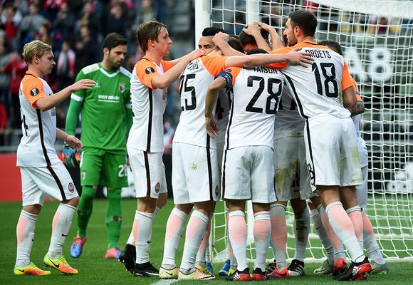 LE: Szachtar wygrał w Bradze, zwycięstwo i awans KAA Gent
