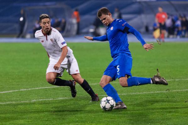 Inter i AC Milan monitorują sytuację Nasriego