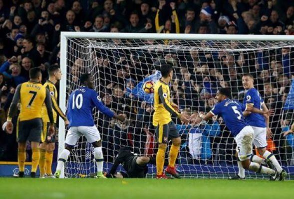 Everton ograł Arsenal, Leicester przegrało z Bournemouth