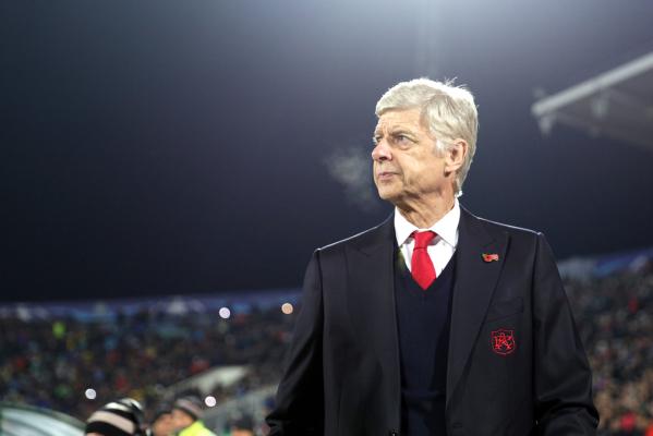 """Wenger krytykuje Chelsea. """"W takich klubach młodzi piłkarze mają mniejsze szanse na rozwój"""""""