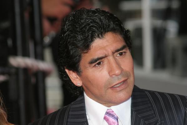 Maradona: Teraz piłkarze wolą pieniądze, kiedyś wybierano klub i koszulkę