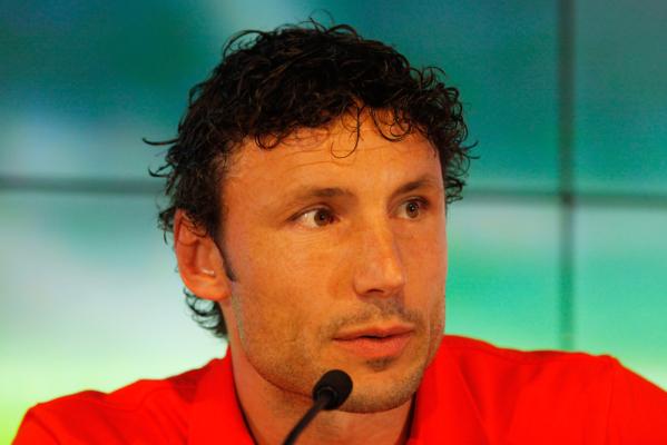 Van Bommel: Z Bayernu odszedłem przez van Gaala