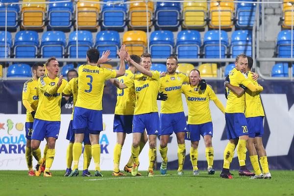 Piłkarze Arki Gdynia wyjechali na zgrupowanie