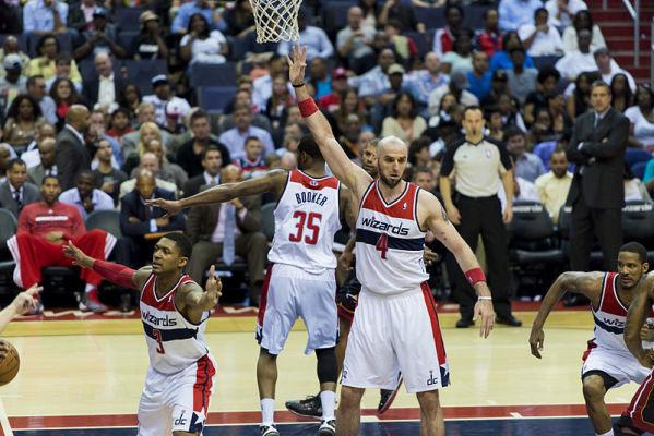 Wizards przegrali w Bostonie, dziesięć punktów Gortata