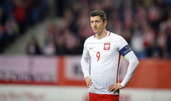"""Brzęczek pozbawi Lewandowskiego opaski kapitańskiej? """"Nie można niczego wykluczyć"""""""