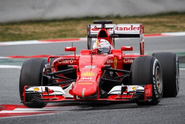 Makabryczna sytuacja w Formule 1. Raikkonen przejechał po nodze mechanika Ferrari [VIDEO]