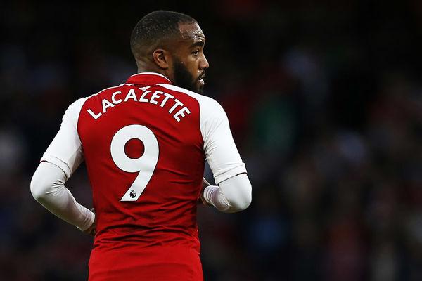 Napastnik Arsenalu ma problemy z kolanem. Nie zagra przez kilka tygodni