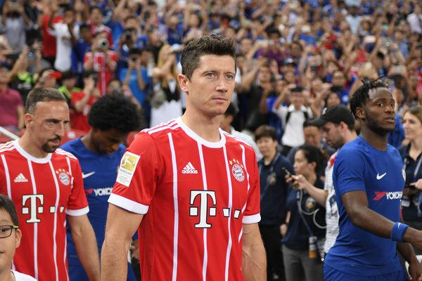 Niespodzianka w Monachium. Lewandowski strzela, ale Bayern tylko remisuje z Wolfsburgiem [VIDEO]