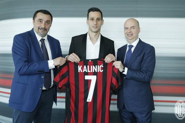 Milan ciągle się wzmacnia. Nikola Kalinić oficjalnie nowym piłkarzem klubu