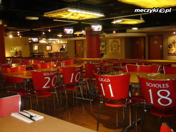 Red Cafe na Old Trafford