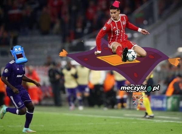 Wyskok Jamesa w meczu z Anderlechtem