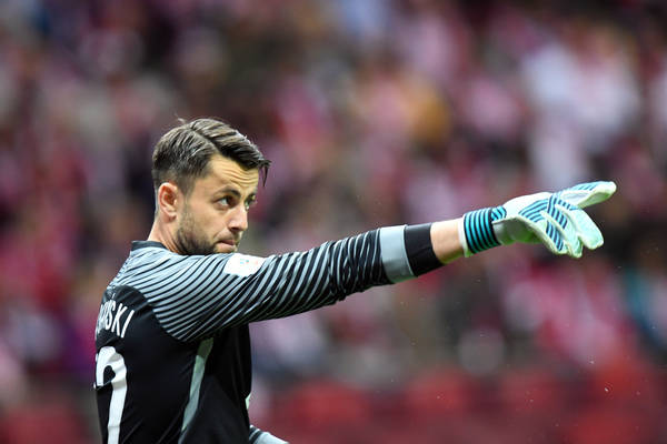 Fabiański zatrzymał Tottenham. Polski golkiper otrzymał świetne noty za swój występ