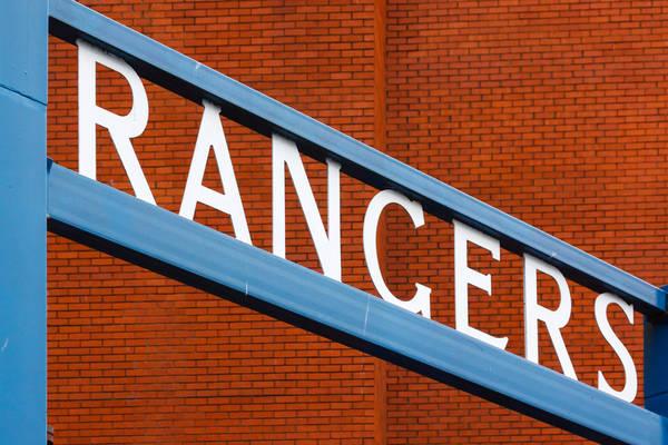 Obrońca przedłużył kontrakt z Glasgow Rangers