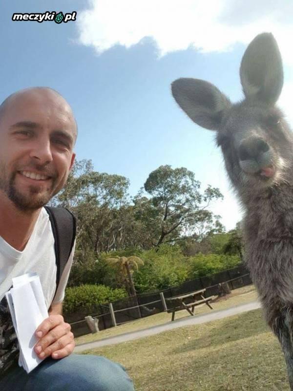 Adrian Mierzejewski korzysta z życia w Australii